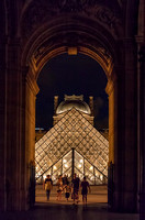 Entering Le Louvre...