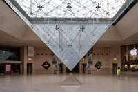 The Inverted Pyramid (La Pyramide Inversée)